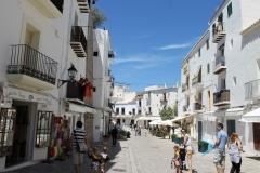 Dalt vila plaza de vila